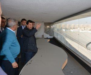 وزير الشباب والرياضة يتفقد ستاد القاهرة وعدد من منشآته الرياضية