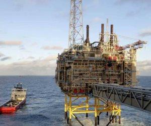 أرجوحة النفط تتهاوى.. هل يتأثر الاقتصاد العالمي بهبوط سوق المحروقات 6%؟