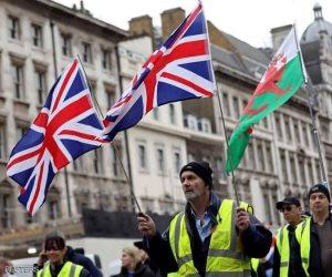 من باريس إلى لندن.. ماذا يريد «أصحاب السترات الصفراء» من القارة العجوز؟