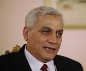 وزير الزراعة الأسبق يشيد بقرار الرئيس السيسي بشأن ترقيات العاملين بالجهاز الإداري للدولة