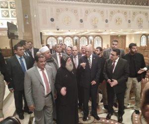 معتصمون بحبل الله.. التفاصيل الكاملة للقاء «عبدالعال» وراعي الكنيسة المصرية بالكويت