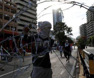 تباين دولي ورفض داخلي.. رئيسان لفنزويلا التائهة في دروب الانقسام