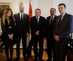 تفاصيل لقاء وزير قطاع الأعمال العام مع ممثلي شركة أدوية فرنسية عالمية