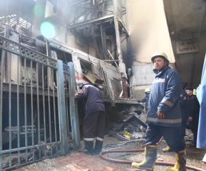 فيديو .. شاهد أثار حريق محطة مصر بعد تصادم قطار بالرصيف