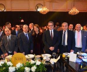 نخبة من الوزراء ورجال الأعمال ورؤساء البنوك يصلون حفل BT100