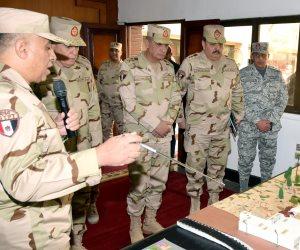 وزير الدفاع والإنتاج الحربى يتفقد أحد تشكيلات قوات الدفاع الجوى