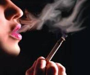 من ينتصر في معركة تدخين المرأة؟ علماء التراث أم المجددين