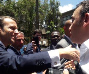 شاهد.. رئيس «شباب بتحب مصر» يلتقط بعض الصور مع الرئيس الفرنسي إيمانويل ماكرون