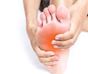 أسباب أخرى لألم القدم غير الكالو..تعرف عليها