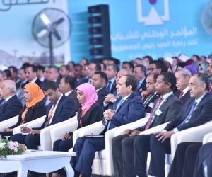 وصول الرئيس السيسي مقر ملتقى الشباب العربى والأفريقى بأسوان عبر عبارة نيلية