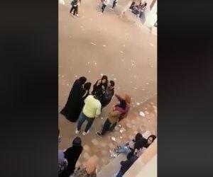 فيديو متداول لشاب يتحرش بفتيات على أبواب مدرسة بالشرقية