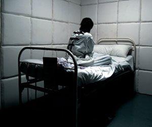 عن المسئولية الجنائية.. هل يستحق المرضى النفسيون «رحمة» بعد ارتكابهم جرائم؟