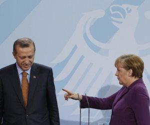 بعد اجتماع عبر الإنترنت.. الاتحاد الأوربي يؤكد تضامنه مع قبرص واليونان ضد بلطجة أردوغان