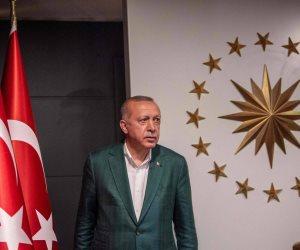 """""""خريف أردوغان"""".. الأزمات تحاصر الحزب الحاكم بعد اشتعال الخلافات"""