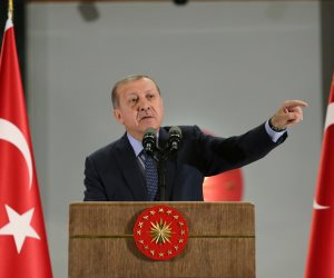 السلطان العثماني يتجاهل فقر شعبه.. أردوغان ينفق على قصره الجديد مليار ليرة في 5 أشهر