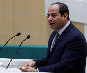 السيسى يهنئ وزيرة التضامن: ملقتش فرصة أحسن من دى.. وقادمون بالعمل والإخلاص