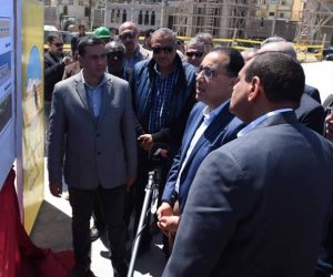 رئيس الوزراء يتفقد التجمع الحرفي السكني التعاوني بمنطقة فرهاش بمحافظة البحيرة