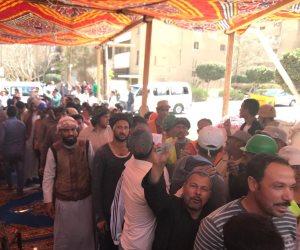 طوابير الناخبين بالإعلام المصرية تغزو مدرسة الشهيد إيهاب مرسي بأكتوبر (صور)
