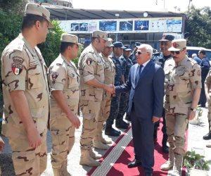 محافظ بورسعيد يتفقد لجان الاستفتاء على التعديلات الدستورية وسط إقبال كبير من المواطنين (صور)