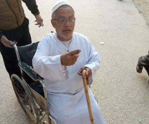 عجوز عمره 77 عاما من أمام لجنة استفتاء بالقليوبية: نعم للتعديلات من أجل استقرار بلدي (صور)