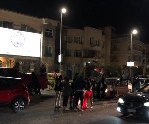أهالي مصر الجديدة يحتفلون بنتيجة الاستفتاء على التعديلات الدستورية (صور)