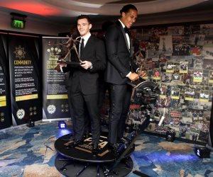 فان ديك مدافع ليفربول يحصد جائزة أفضل لاعب فى الدورى الإنجليزي