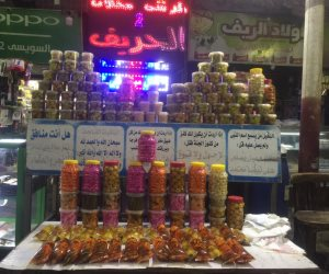 «حريف المخلل» يأسر قلوب أهل السيدة زينب في شهر رمضان