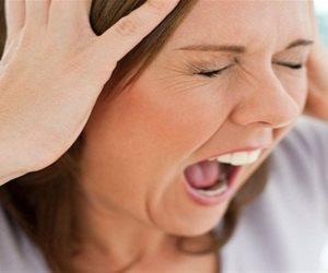 «وطي صوتك».. التحدث بصوت عال والصراخ يزيد من انتشار فيروس كورونا