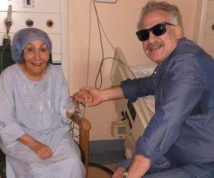 المخرج عمر زهران يطمئن جمهور سهير البابلى على صحتها من المستشفى (صور)