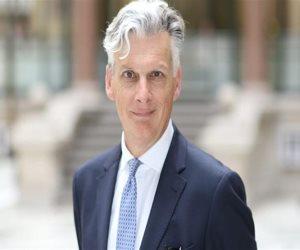 السفير البريطاني يتحدث عن استئناف الطيران المباشر بين بريطانيا وشرم الشيخ.. ماذا قال؟