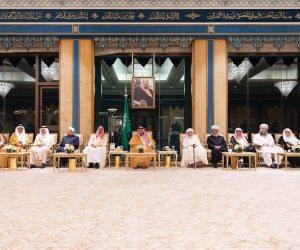 شاهد قادة العمل الإسلامي يقدمون وثيقة مكة المكرمة للعالم ويسلمونها للملك سلمان