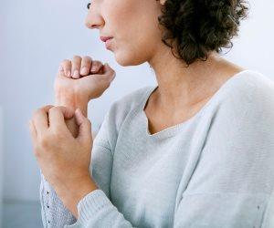 ما تأثير إصابتك بالإكزيما على حالتك النفسية؟
