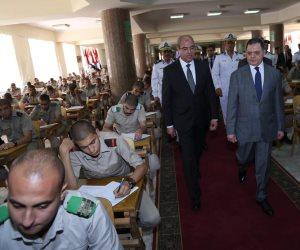 وزير الداخلية يتفقد لجان امتحانات كلية الشرطة