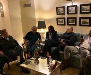 خاص: أحمد أحمد يصل إلى مقر إقامته في باريس ويجتمع مع أبو ريدة (صور)