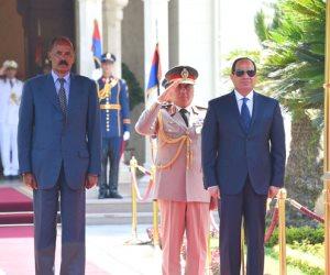 السيسي يؤكد حرص مصر على التعاون الاستراتيجي مع إريتريا بشتى المجالات (صور)