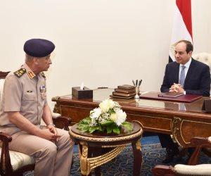 الرئيس السيسى يستقبل وزير الدفاع والإنتاج الحربى
