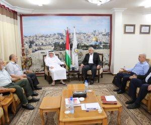 السفير القطري يصل غزة ويلتقي قادة حماس.. الدوحة تواصل تعزيز الانقسام الفلسطيني