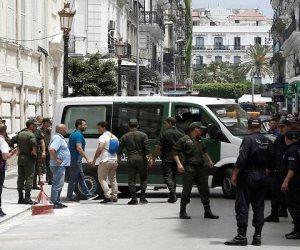 رويترز:  احتجاجات فى الجزائر للمطالبة بإلغاء الانتخابات المقررة اليوم