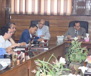 «شوشة» يبحث مشروعات الخطة الاستثمارية.. وخطة تعمير شمال سيناء