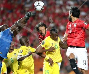محمود علاء أحسن لاعب فى مباراة مصر وزيمبابوى