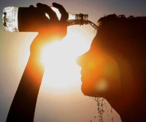 مع ارتفاع درجات الحرارة.. كل ما تريد معرفته عن «ضربة الشمس»