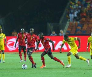 زيمبابوي يقلب الطاولة على أوغندا.. تعادل إيجابي يعقد مجموعة مصر