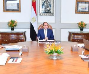 استعرض مستهدفات الموازنة الجديدة.. السيسي يجتمع برئيس الوزراء ووزير المالية