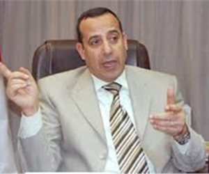 محافظ شمال سيناء يتفقد محطات الوقود والمواقف ويؤكد على ثبات سعر الرغيف المدعم بـ5 قروش