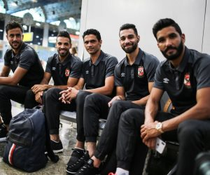 لاعبو الأهلي في مطار القاهرة الدولي استعدادا للسفر إلى أسبانيا (صور)