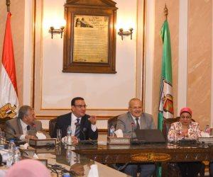 صلاح حسب الله في لقاء مع طلاب جامعة القاهرة: الوظيفة تأتي صدفة لكن القيادة تأتي بالتدبر