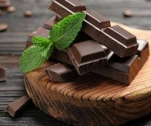 13 فائدة لا تتوقعها عن الشيكولاتة (فيديو معلوماتي)