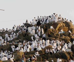 في عرفات الله.. أكثر من مليوني حاج يناجون «لبيك اللهم لبيك»