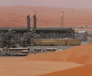 رغم زيادة المخزون.. ارتفاع طفيف لأسعار النفط وصعوبة في التعافي