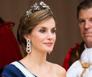 السر في السبانخ.. سر تألق وجمال ملكة إسبانيا وكأنها في العشرينات